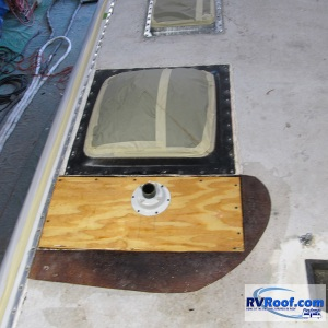 Coach-wood-repairs-before-FlexArmor-RV-roof-applied