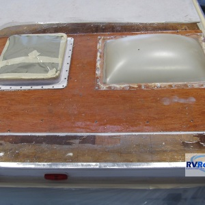Travel-Trailer-with-wood-damage-needing-new-rv-roof
